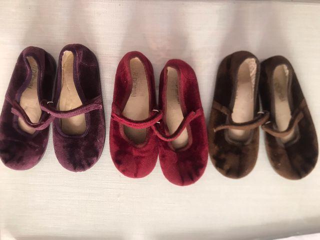 212fa819889 Zapatos terciopelo niña talla 28 de segunda mano por 15 € en Sevilla ...