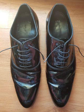 Zapatos negros hombre charol. 44