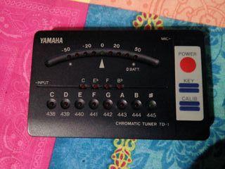 Afinador Yamaha TD1