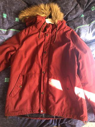 Abrigo hombre rojo