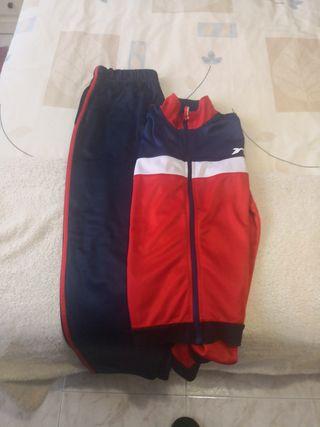 Chándal Azul y rojo talla 14.
