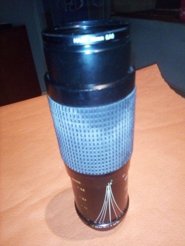Zoom Cosina 70 mm. 300mm.
