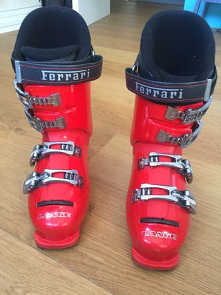 Botas esquí junior. Marca Lange. Edición Ferrari.
