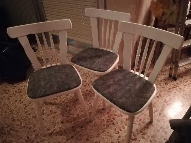 trio de sillas lacadas en blanco