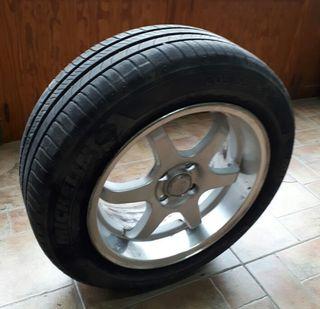 llantas aluminio con neumáticos Michelín