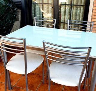 Mesa cristal+ 4 sillas