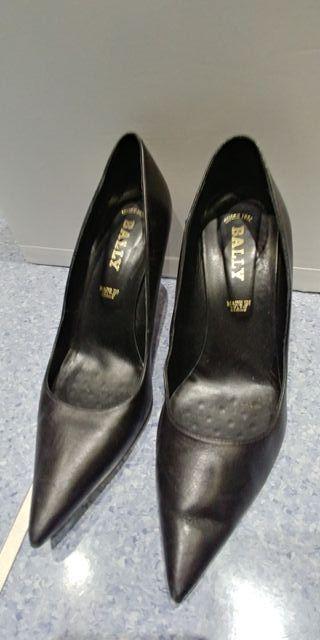 zapato bally salon negro 38 y medio