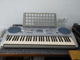Piano/Teclado Electrónico Yamaha PSR 275
