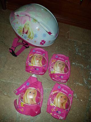 casco y protección de barbie