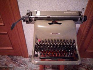 2 máquinas de escribir hispano olivetti