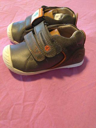 Zapatos niño nuevos
