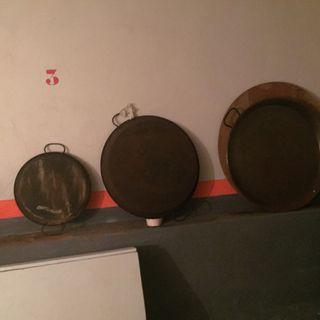 Tres paellas con poco uso ..