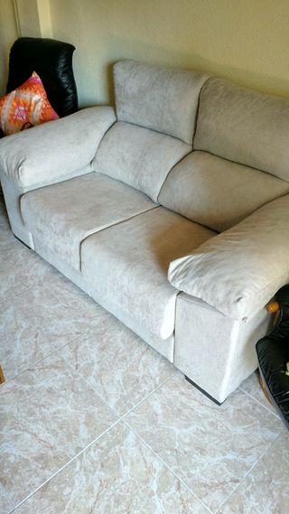 Sofa 2 plazas casi sin uso