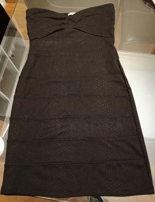 Vestido corto negro sin mangas escote corazón T M