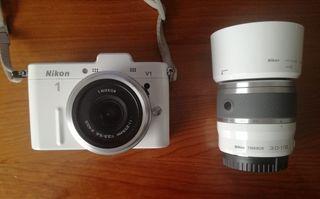 Cámara de fotos Nikon 1V1