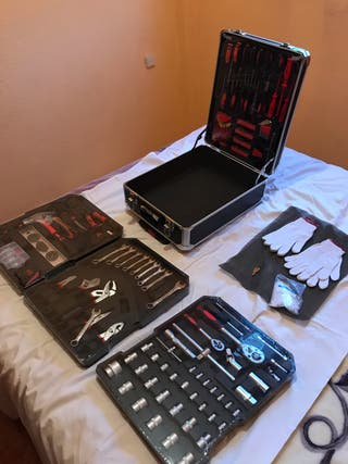 Caja de herramientas, 949 piezas.