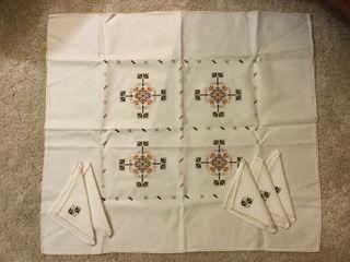 Mantel hilo bordado a mano con 6 servilletas