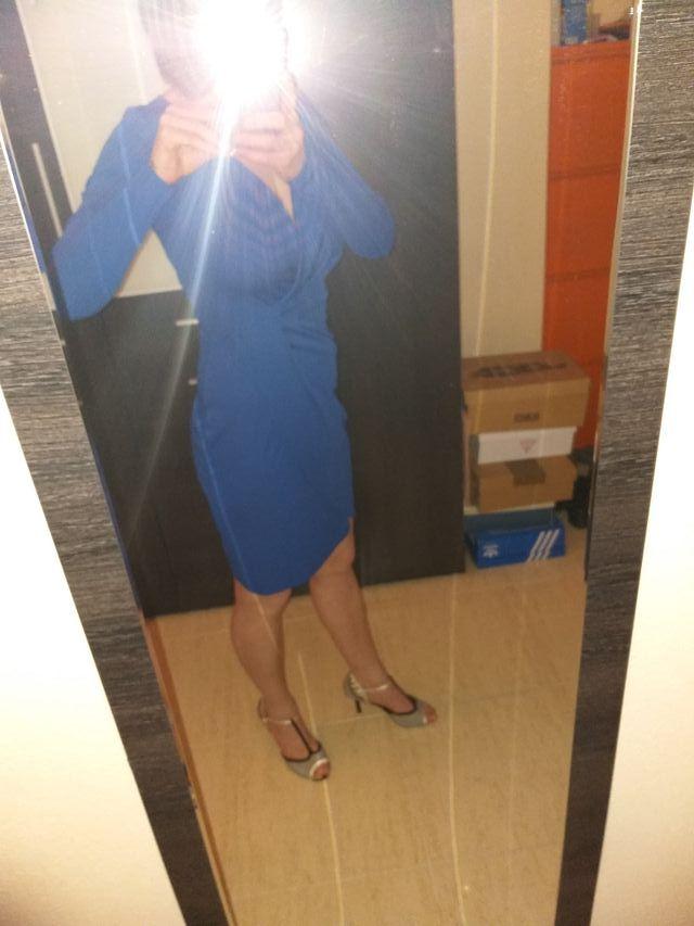 dadd2a08e Vestido azul eléctrico de segunda mano por 10 € en Tarragona en WALLAPOP