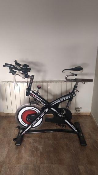 Bicicleta de spinning BH 2.8 Aero Triatlón