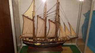 Maqueta barco hecha a mano