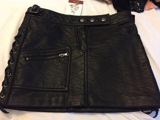 Minifalda de cuero de PULL&BEAR