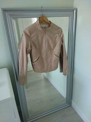 chaqueta marron caqui