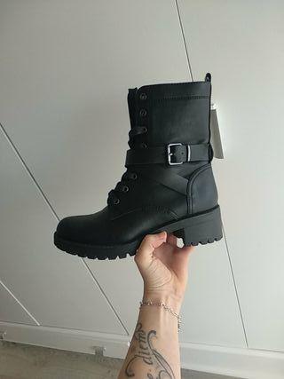 bota negra