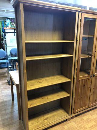 Libreria de pino