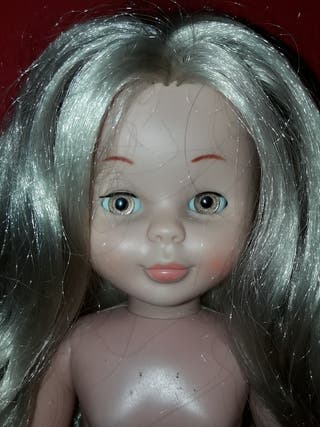 muñeca nancy famosa tobillo gordo