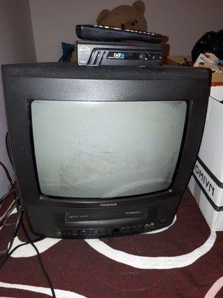 vendo televisión antigua+ adaptador terrestre