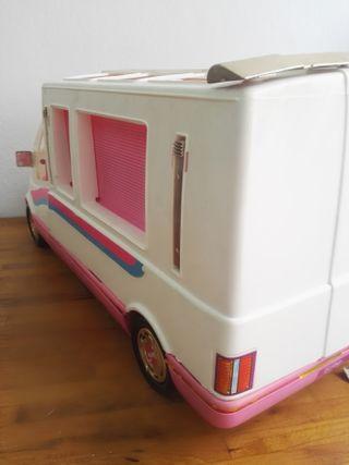 Furgoneta Barbie Caravana con su caja