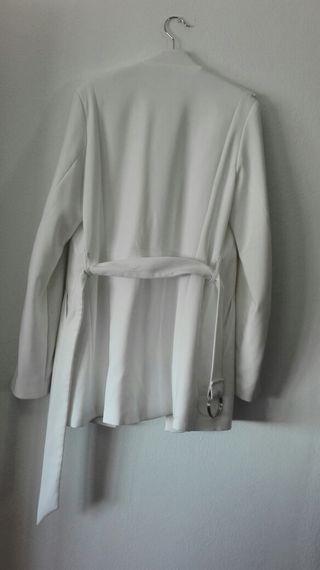 Abrigo blanco se stradivarius