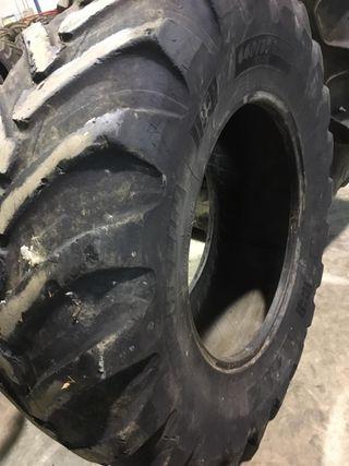 Neumático Michelin retroexcavadora