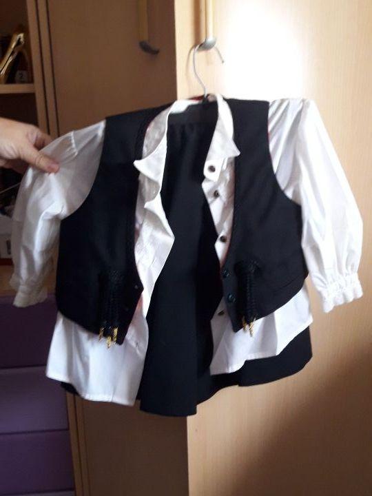 81748aad9 Traje de falda cordobesa de segunda mano por 30 € en Córdoba en WALLAPOP