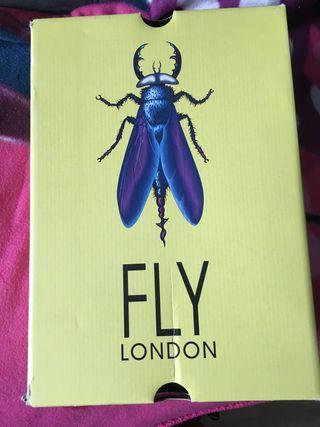 Botin velcro cuña gris número 41 marca Fly London