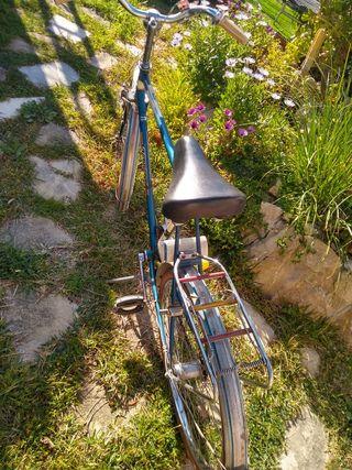 Bicicleta antigua HEBLE