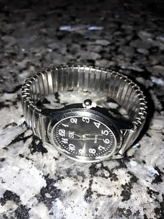 Reloj de acero inoxidable ¡NUEVO!