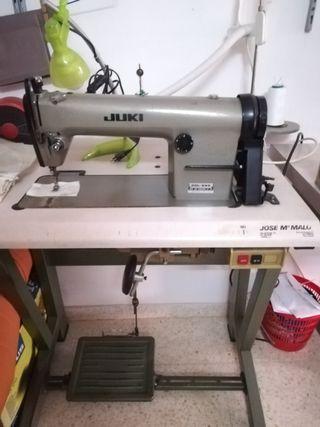 Maquina de coser Juki