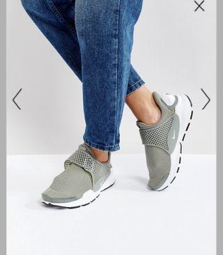 zapatillas Nike nuevo con etiqueta número 38