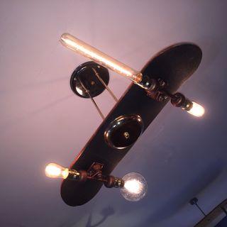 Lámpara monopatín skate vintage