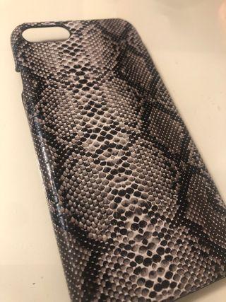 Funda Iphone 6,7,8 serpiente negra gris y blanca