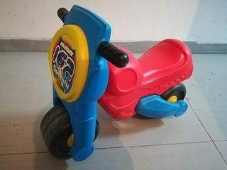 Lote juguetes sobre ruedas infantil
