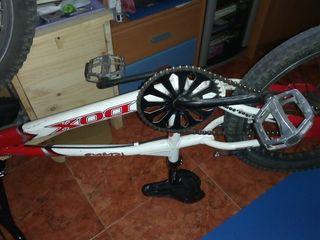 Vendo bicicleta de bmx Dox, más extras!!!