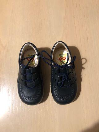 Zapatos niño Nuevos.