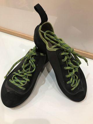 Pies de gato - zapatos escalada