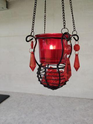 Lámparas portavelas decorativas.