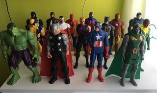 Colección 15 de muñecos o figuras de Marvel y DC.