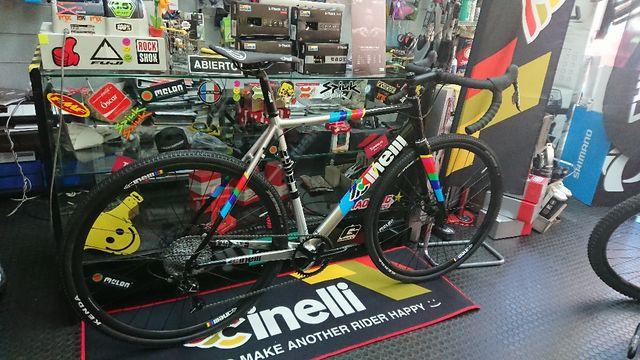 Bicicleta de Gravel CINELLI