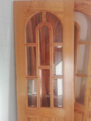 Puertas de Madera con Cristal viselado,