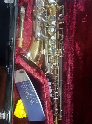 saxo alto Yamaha Yas 25